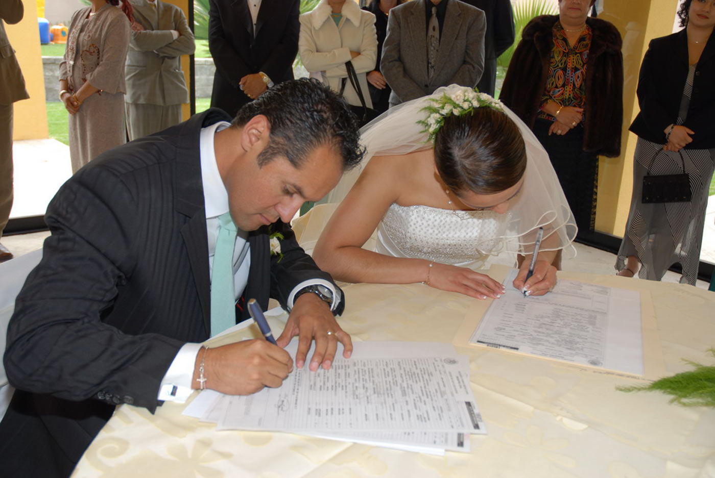 Documentos para casarse en colombia doce bodas for Decoracion ceremonia civil